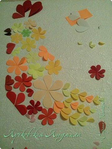 Создала портрет петушка из бумажных сердечек.  фото 17