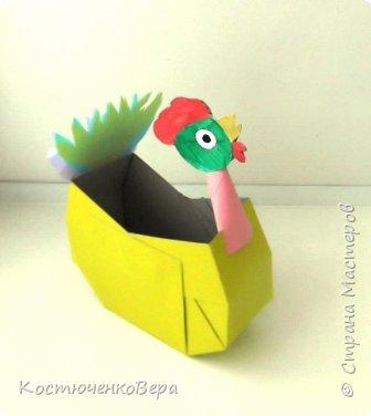 Сделаем новогодние корзинки. В них можно насыпать конфет или положить ёлочные игрушки. фото 16
