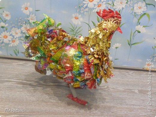 Наш осенний Петушок -  Золотые перышки, Ярко красный гребешок На шальной головушке. фото 2