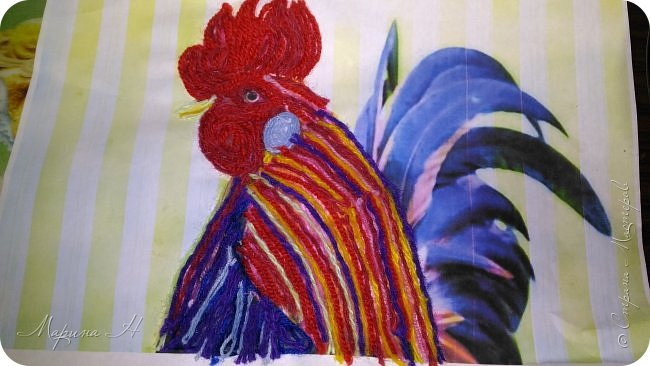 Эту работу было решено нарисовать ниточками. Эту ответственную работу было поручено выполнять Медведевой Соне. Она учится во втором классе фото 6