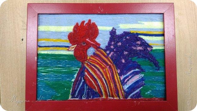 Эту работу было решено нарисовать ниточками. Эту ответственную работу было поручено выполнять Медведевой Соне. Она учится во втором классе фото 1
