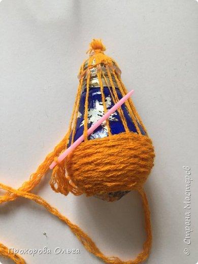 Петушок из лампочки, самый что ни есть новогодний, ведь будет жить на ёлке сообщая всем что он главный в этом году. фото 7