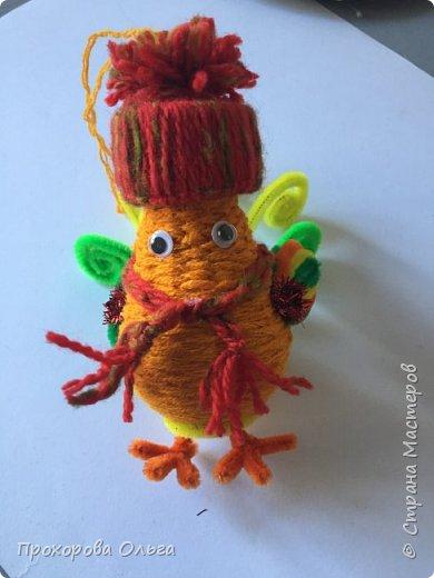 Петушок из лампочки, самый что ни есть новогодний, ведь будет жить на ёлке сообщая всем что он главный в этом году. фото 20