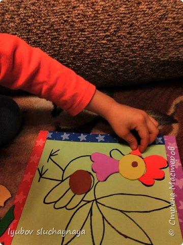 Здравствуйте! Мне пришла идея сделать петушка в виде игры - пазла.  Пазлы развивают восприятие целого, воображение, мелкую моторику, координацию движений, наглядно-образное мышление. Моему сыну сейчас 4 года. Он начал проявлять интерес к пазлам с 3-х лет. Я считаю, чем раньше начинаешь с детками заниматься, тем лучше. фото 10