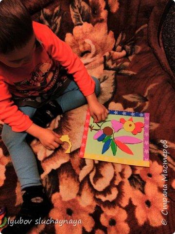 Здравствуйте! Мне пришла идея сделать петушка в виде игры - пазла.  Пазлы развивают восприятие целого, воображение, мелкую моторику, координацию движений, наглядно-образное мышление. Моему сыну сейчас 4 года. Он начал проявлять интерес к пазлам с 3-х лет. Я считаю, чем раньше начинаешь с детками заниматься, тем лучше. фото 13