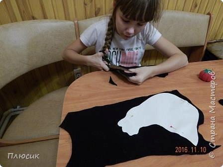 Оля учится в 5 классе. Прихватку в виде Петушка она сшила самостоятельно. Вдохновением для работы послужили работы  хохломских мастеров. фото 6