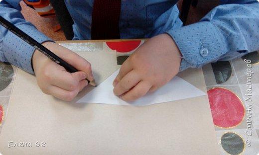"""В школе открылась """"Мастерская Деда Мороза"""". И мы решили, что первой работой должен быть символ Нового Года. Петушок. фото 4"""