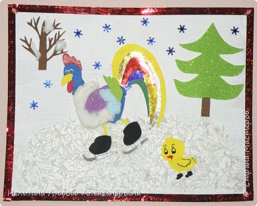 Наш петушок не боится зимних морозов. Он надел тёплую жилетку, коньки и отправился на каток. С петушком и цыплёнок решил покататься на коньках. фото 1