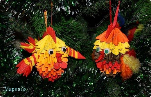 Наверное самый любимый праздник всех  детей - Новый год! Потому что  на новый год   обязательно   наряжают елку красивыми игрушками. Когда в кружке  нам рассказали о конкурсе   мне сразу представились елочные  игрушки в виде ярких, огненных петушков. фото 1