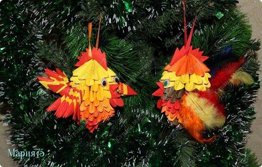 Наверное самый любимый праздник всех  детей - Новый год! Потому что  на новый год   обязательно   наряжают елку красивыми игрушками. Когда в кружке  нам рассказали о конкурсе   мне сразу представились елочные  игрушки в виде ярких, огненных петушков. фото 2