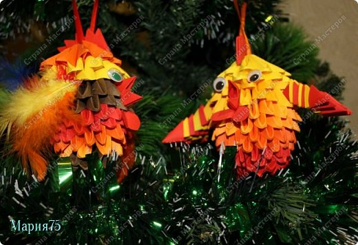 Наверное самый любимый праздник всех  детей - Новый год! Потому что  на новый год   обязательно   наряжают елку красивыми игрушками. Когда в кружке  нам рассказали о конкурсе   мне сразу представились елочные  игрушки в виде ярких, огненных петушков. фото 3