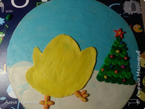Вот такого новогоднего цыпленка предлагаем вам слепить. фото 16