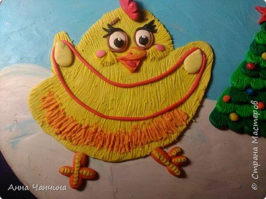Вот такого новогоднего цыпленка предлагаем вам слепить. фото 20