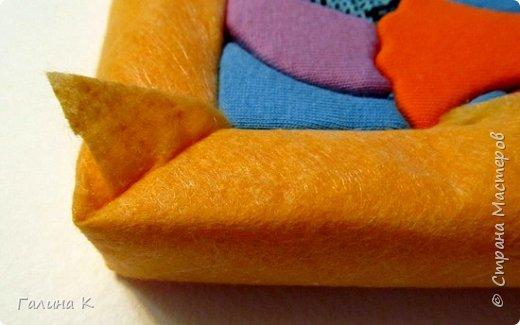 Этот петушок выполнен из маленьких кусочков ткани в технике кинусайга.  фото 21