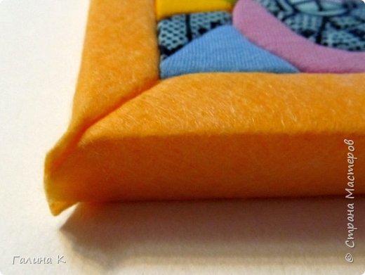 Этот петушок выполнен из маленьких кусочков ткани в технике кинусайга.  фото 22