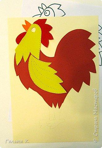 Наступает год огненного петуха, решено было сделать его в красно-желтом цвете. фото 5