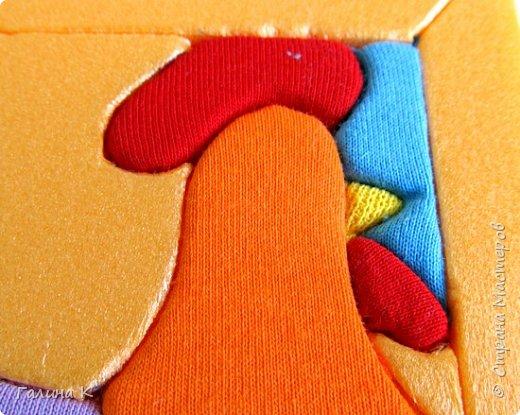 Этот петушок выполнен из маленьких кусочков ткани в технике кинусайга.  фото 16