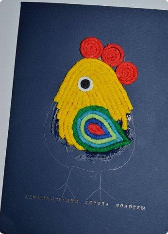 Всем привет! Конкурс продлили на один денёчек и мы, конечно же, не могли не воспользоваться этим подарком) Вчера мы сделали игрушку на ёлку (http://stranamasterov.ru/node/1067036), которую изначально планировали отнести в детский садик, но мальчишкам она самим очень понравилась, решили повесить нашего петушка на ёлочку дома. А в садик сегодня по горячим следам сделали похожего петушка, только из гофротрубочек. За прообраз (http://stranamasterov.ru/node/61636) большущее спасибо Ольге Кирьяновой, её работы всегда вдохновляют!!! фото 15