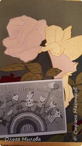 """Здравствуйте, уважаемые жители Страны Мастеров! Принимайте мою конкурсную работу. Очень мне нравятся иллюстрации Сесиль Мэри Баркер. Когда объявили конкурс, я не задумываясь выбрала номинацию """"Зеленая планета"""". Фея Розы...  Кто был натурщиком этих милых забавных существ? Старшая сестра Сесиль открыла в их уютном доме частный детский сад. Дети с удовольствием позировали для Сесиль сказочных персонажей. Если вглядеться в открытки, можно увидеть, что характеры маленьких фей соответствуют тем цветам, которые вместе с ними изображены. И это ещё не всё. Костюмы фей одуванчиков, роз, ромашек, маков Сесиль шила сама, крылышки делала из веток, проволоки и вуали.  фото 9"""