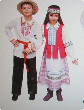Здравствуйте . Вот и я со своей конкурсной работой. Все в детстве играют игрушками. И одной из любимых игрушек детей является кукла.   А так как конкурс будет проходить в Белоруссии, то я решила сделать кукол в национальных костюмах этой республики. Сначала думала сделаю одну,... затем ещё и ещё... И в результате три, разного пола и возраста. фото 2
