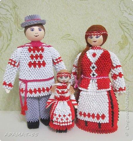 Здравствуйте . Вот и я со своей конкурсной работой. Все в детстве играют игрушками. И одной из любимых игрушек детей является кукла.   А так как конкурс будет проходить в Белоруссии, то я решила сделать кукол в национальных костюмах этой республики. Сначала думала сделаю одну,... затем ещё и ещё... И в результате три, разного пола и возраста. фото 1