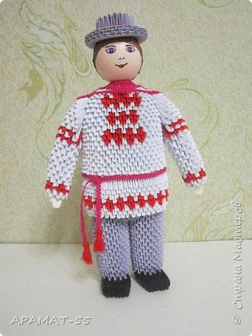 Здравствуйте . Вот и я со своей конкурсной работой. Все в детстве играют игрушками. И одной из любимых игрушек детей является кукла.   А так как конкурс будет проходить в Белоруссии, то я решила сделать кукол в национальных костюмах этой республики. Сначала думала сделаю одну,... затем ещё и ещё... И в результате три, разного пола и возраста. фото 3
