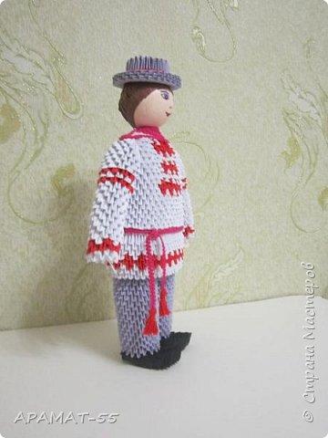 Здравствуйте . Вот и я со своей конкурсной работой. Все в детстве играют игрушками. И одной из любимых игрушек детей является кукла.   А так как конкурс будет проходить в Белоруссии, то я решила сделать кукол в национальных костюмах этой республики. Сначала думала сделаю одну,... затем ещё и ещё... И в результате три, разного пола и возраста. фото 4