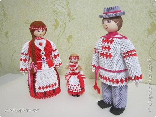 Здравствуйте . Вот и я со своей конкурсной работой. Все в детстве играют игрушками. И одной из любимых игрушек детей является кукла.   А так как конкурс будет проходить в Белоруссии, то я решила сделать кукол в национальных костюмах этой республики. Сначала думала сделаю одну,... затем ещё и ещё... И в результате три, разного пола и возраста. фото 13