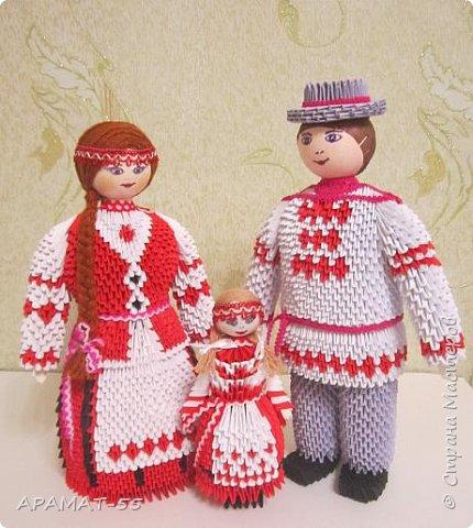 Здравствуйте . Вот и я со своей конкурсной работой. Все в детстве играют игрушками. И одной из любимых игрушек детей является кукла.   А так как конкурс будет проходить в Белоруссии, то я решила сделать кукол в национальных костюмах этой республики. Сначала думала сделаю одну,... затем ещё и ещё... И в результате три, разного пола и возраста. фото 14