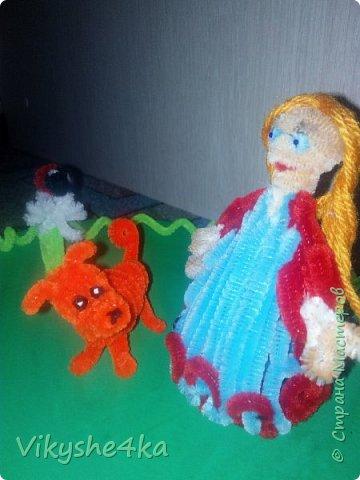 Это Василиса и  ее лучший друг Ландыш. Они нашли полянку с одуванчиками. Ландыш впервые увидел божью коровку и теперь с любопытством рассматривает. фото 10