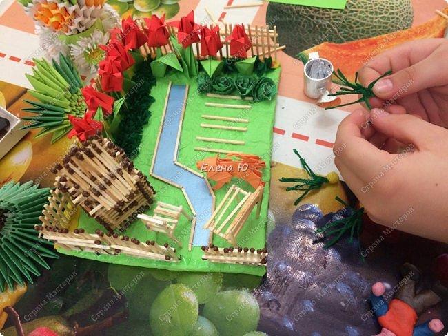 Арсений сделал упрощенный макет своего садового участка, где он проводит время в летние каникулы. фото 10