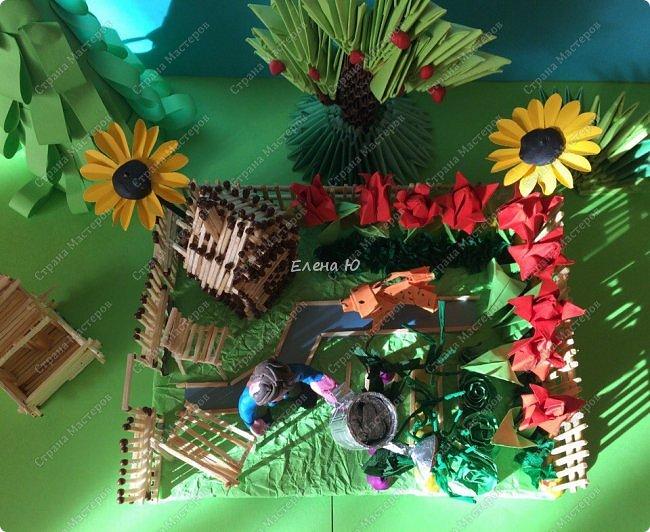 Арсений сделал упрощенный макет своего садового участка, где он проводит время в летние каникулы. фото 12