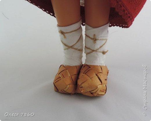 Добрый день. Представляю вам куклу в русском костюме. В руках у нее русская народная игрушка, кукла Сударушка. фото 5