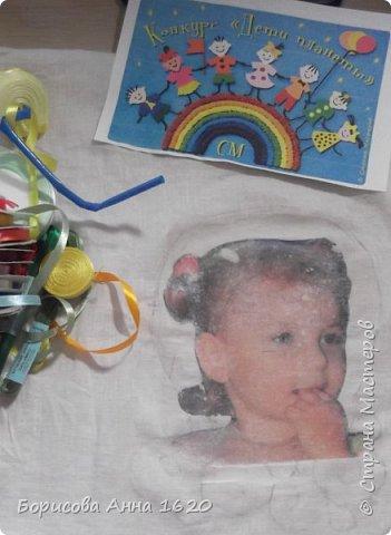 """Здравствуйте, жители Страны Мастеров. Представляю свою работу в технике вышивка лентами. Тема """"Дети - цветы жизни"""" меня сразу заинтересовала, тем более этот """"цветочек"""" каждый день под ногами вертится. Долго думала - крутила, и пришла к выводу, что хочу портрет дочки вышить.И началась работа. фото 3"""