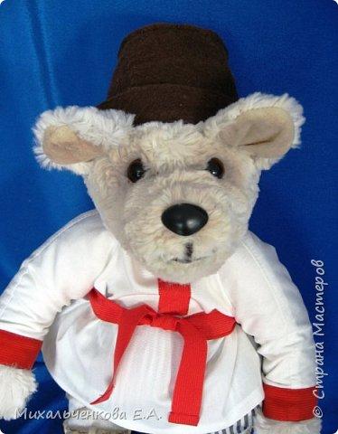 Мой любимый герой сказок  и мультфильмов – МИШКА. Считается, что медведь - это олицетворение русского народа, Руси, а сейчас и России. В русских народных  сказках всегда возвышают образ медведя, он  добрый, сильный, способен защищать слабых. С развитием кинематографа мишка стал мультипликационным героем, например, « Маша и Медведь», «Три медведя», «Мужик и медведь».  фото 16