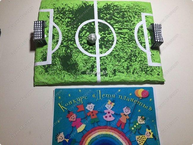 Как только мы узнали про новый конкурс в Стране Мастеров, Денис тут же заявил, что он будет делать футбольное поле с футболистом.  фото 8