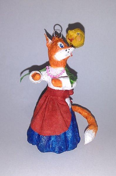 """Здравствуйте,друзья!Сегодня хочу показать вам ёлочную игрушку, которая сделана из ваты. Одной из первой сказкой которую многие рассказывают своим детям является сказка Колобок. Сказка про Колобка встречается в русском и украинском фольклоре ,а так же имеет аналоги в сказках других народов:американская""""пряничный человечек"""",английская """"Джони-пончик.Сюжет также встречается в скандинавских,немецких,узбекских,татарских и других сказках.    фото 11"""