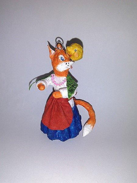 """Здравствуйте,друзья!Сегодня хочу показать вам ёлочную игрушку, которая сделана из ваты. Одной из первой сказкой которую многие рассказывают своим детям является сказка Колобок. Сказка про Колобка встречается в русском и украинском фольклоре ,а так же имеет аналоги в сказках других народов:американская""""пряничный человечек"""",английская """"Джони-пончик.Сюжет также встречается в скандинавских,немецких,узбекских,татарских и других сказках.    фото 12"""