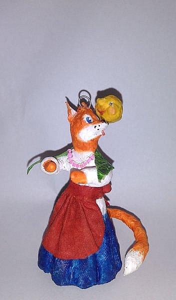 """Здравствуйте,друзья!Сегодня хочу показать вам ёлочную игрушку, которая сделана из ваты. Одной из первой сказкой которую многие рассказывают своим детям является сказка Колобок. Сказка про Колобка встречается в русском и украинском фольклоре ,а так же имеет аналоги в сказках других народов:американская""""пряничный человечек"""",английская """"Джони-пончик.Сюжет также встречается в скандинавских,немецких,узбекских,татарских и других сказках.    фото 1"""