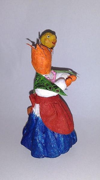 """Здравствуйте,друзья!Сегодня хочу показать вам ёлочную игрушку, которая сделана из ваты. Одной из первой сказкой которую многие рассказывают своим детям является сказка Колобок. Сказка про Колобка встречается в русском и украинском фольклоре ,а так же имеет аналоги в сказках других народов:американская""""пряничный человечек"""",английская """"Джони-пончик.Сюжет также встречается в скандинавских,немецких,узбекских,татарских и других сказках.    фото 13"""