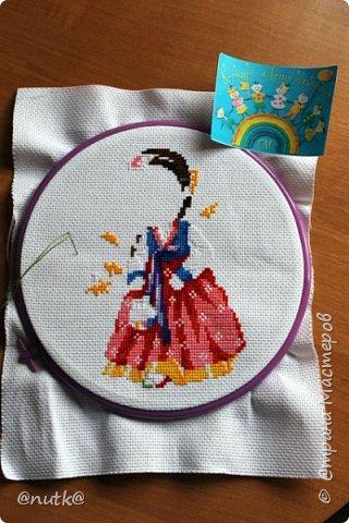 Вот и моя конкурсная работа!Обожаю Южную Корею!Особенно её историю,вот и решила создать картины и саше с такими милыми девочками в национальных корейских нарядах - ханбок. Ханбок — национальный традиционный костюм жителей Кореи. Ханбок часто шьют из ярких одноцветных тканей, это одежда для официальных и полуофициальных приёмов, фестивалей и празднеств. фото 7