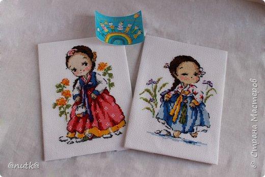 Вот и моя конкурсная работа!Обожаю Южную Корею!Особенно её историю,вот и решила создать картины и саше с такими милыми девочками в национальных корейских нарядах - ханбок. Ханбок — национальный традиционный костюм жителей Кореи. Ханбок часто шьют из ярких одноцветных тканей, это одежда для официальных и полуофициальных приёмов, фестивалей и празднеств. фото 12
