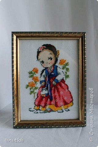 Вот и моя конкурсная работа!Обожаю Южную Корею!Особенно её историю,вот и решила создать картины и саше с такими милыми девочками в национальных корейских нарядах - ханбок. Ханбок — национальный традиционный костюм жителей Кореи. Ханбок часто шьют из ярких одноцветных тканей, это одежда для официальных и полуофициальных приёмов, фестивалей и празднеств. фото 13