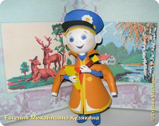 С детства просто обожаю этот мультфильм! Такой небольшой по времени, с простым сюжетом, с искромётным юмором, озвучивание главного персонажа Вовки прекрасной Риной Зелёной и поучительный в то же время, я считаю просто один из шедевров Союзмультфильма! фото 2