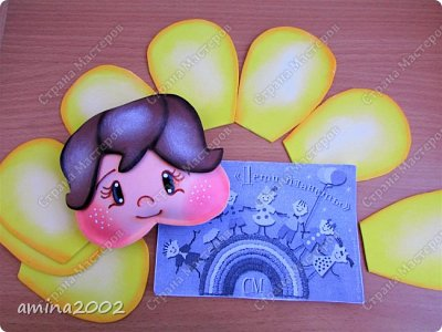 """Добрый день! Конкурсная работа """"Дети цветы жизни"""".Чтобы цветы были красивыми и ухоженными, о них нужно всегда заботиться. Мы, защищаем своих детей от дождя, солнца, снега...Может быть иногда """"перегибаем палку"""", помните как у Сергея Михалкова в стихотворении """"Про мимозу"""": """"...только он глаза откроет - Ставят градусник ему, Обувают, Одевают И всегда, в любом часу, Что попросит, то несут."""" фото 7"""