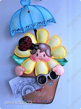 """Добрый день! Конкурсная работа """"Дети цветы жизни"""".Чтобы цветы были красивыми и ухоженными, о них нужно всегда заботиться. Мы, защищаем своих детей от дождя, солнца, снега...Может быть иногда """"перегибаем палку"""", помните как у Сергея Михалкова в стихотворении """"Про мимозу"""": """"...только он глаза откроет - Ставят градусник ему, Обувают, Одевают И всегда, в любом часу, Что попросит, то несут."""" фото 3"""