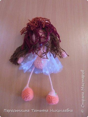 Меня зовут Настя, а мою подругу Аня. Мы уже не первый год учимся вязать. Вот и решили поучаствовать в конкурсе. Решили так, я вяжу куклу, а Аня игрушку для неё. А почему Мишку? Да потому, что это любимая игрушка всех детей планеты. фото 6