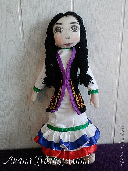 Я живу в многонациональной Республике Башкоротостан,где проживают люди 160 национальностей,я решила сделать башкирку так,как башкиры являются коренным народом Башкортостана  фото 13