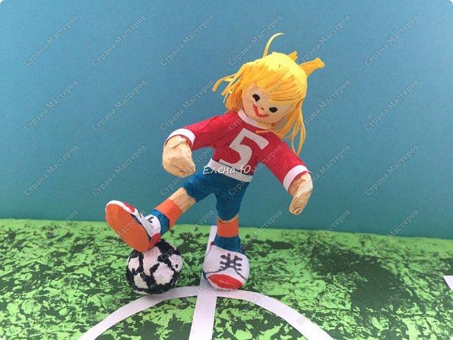 Как только мы узнали про новый конкурс в Стране Мастеров, Денис тут же заявил, что он будет делать футбольное поле с футболистом.  фото 13