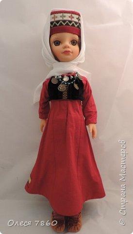 Добрый день. Я сейчас живу в Армении. Интересной и древней стране. И мне захотелось сделать пару кукле в русском костюме. Перед вами кукла в народном армянском костюме района озера Ван фото 6